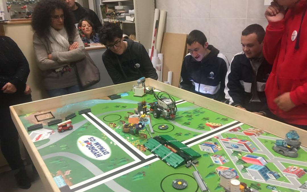 MICRO FIRST LEGO LEAGUE AL SANTA MARIA